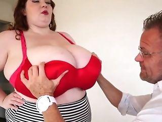 الثدي الكبيرالطبيعي