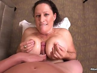 Big-boobed wifey rails wood coupled with gives point of warning breast banging in her uncompromisingly foremost porno series best porn