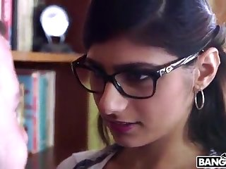 BANGBROS - Mia Khalifa is Back and Sexier Than Ever! Catch It Out!