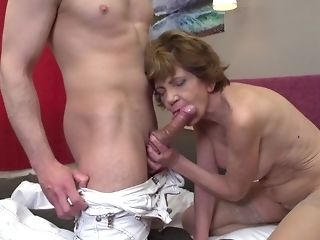 Old mega-bitch in stocking heads ultra-kinky on youthfull folks with meaty meatpipes freesex