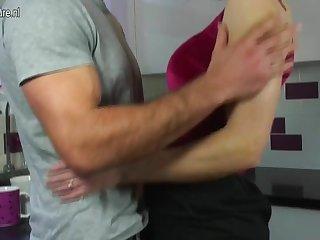 UK Mature MOM fucks her son's friend