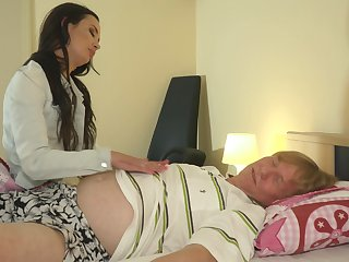 Teen trounce blowjob added to fucked constant away from old man cock