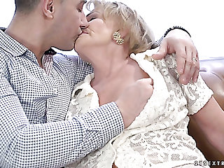 Wrinkled ugly old floosie Sally G gets her mature cunt fucked doggy