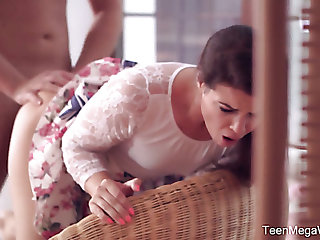 Rapacious and versatile Czech nympho Vany Ully thirsts be advisable for some complying anal