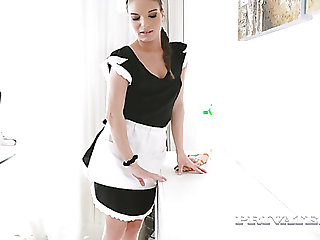 Mesmerizing well-shaped demoiselle Anita Bellini gets lured and analfucked