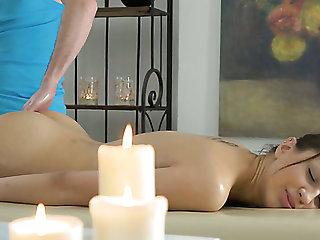 Naturally slim GF Jordan enjoys erotic massage and moistness fuck