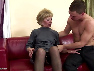 Hairy mature mom ass fucked with the addition of pissed on