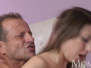 MOM MILF can not stop squirting as soon as she cums