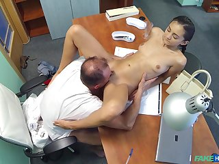 Sizzling doctor bangs his half-starved amateur patient Shrima Malati